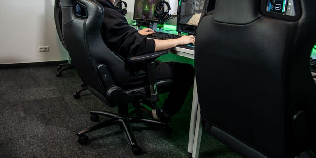 Lower Body posture while gaming